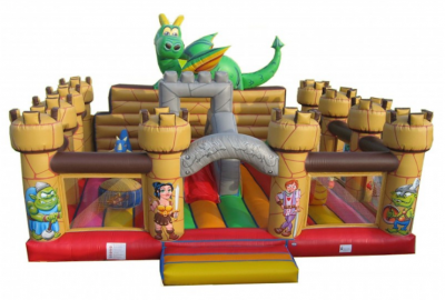 Inflable castell mitjaval